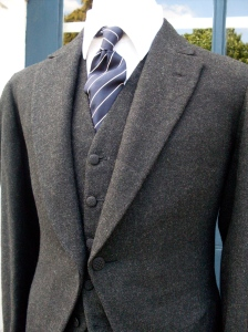 Rough woolen twill on a morning suit!