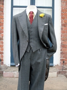 Perfect for a wedding or the races...